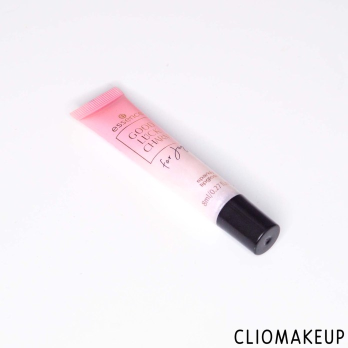 cliomakeup-recensione-gloss-essence-good-luck-charm-for-joy-sparkling-lipgloss-3