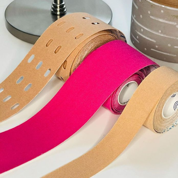 Cliomakeup-face-taping-strisce-tape