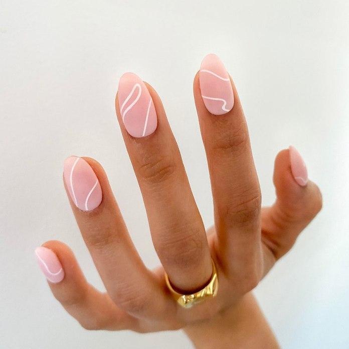 Cliomakeup-unghie-finte-rosa-geometriche