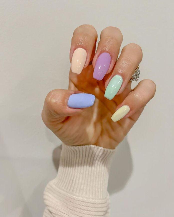 cliomakeup-colori-unghie-primavera-estate-2021-pastel
