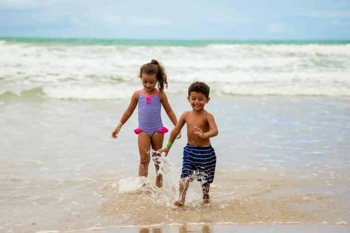 cliomakeup-creme-solari-2021-per-bambini-mare