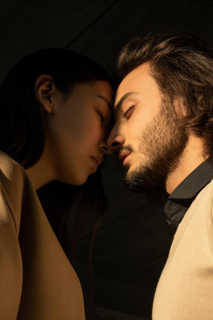cliomakeup-pansessualita-bacio