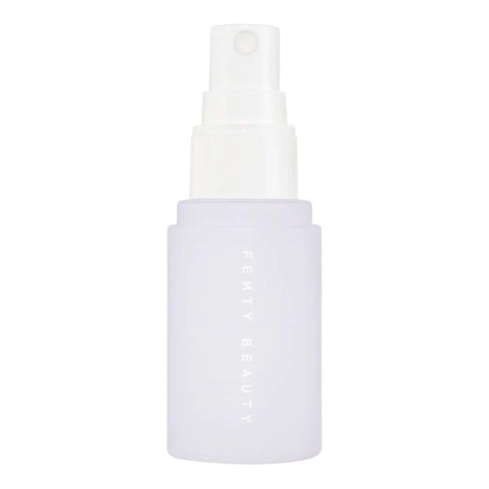 cliomakeup-trucco-zoom-call-fenty-beauty-spray