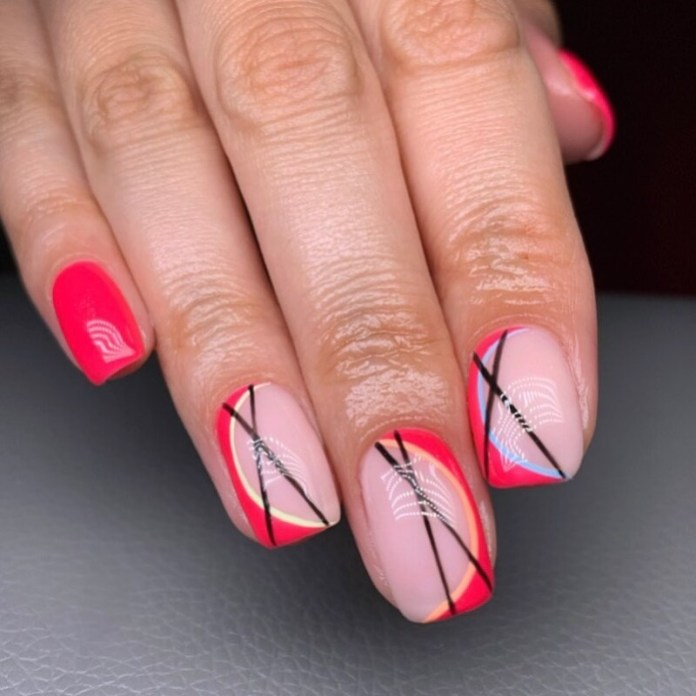 cliomakeup-abstract-nails-geometriche