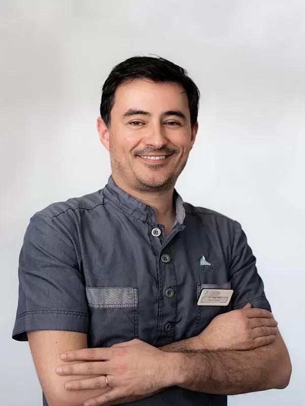 Dr. Tiago Pêra