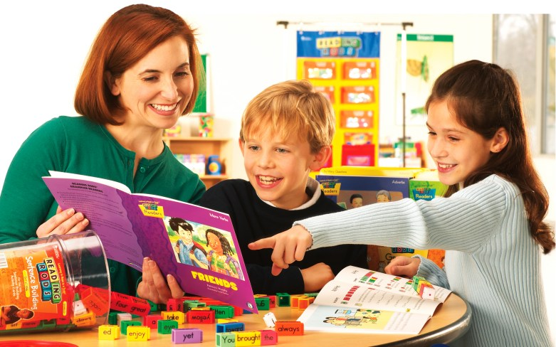 Snapology Franchise mom with kids reading learning