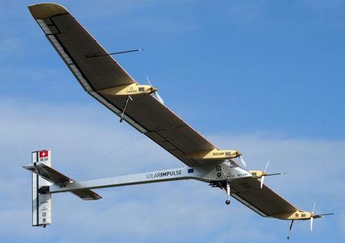 avion-Solar-Impulse-
