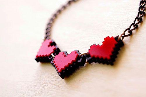 zelda-pixel-heart-jewelry-by-nastalgame