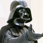 Un 'fan' de Star Wars roba el casco original de Darth Vader