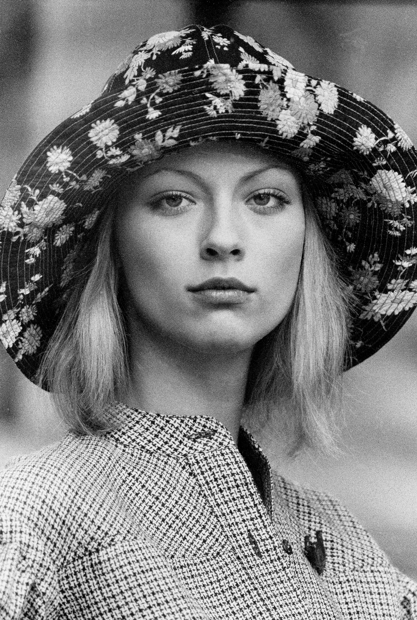 Ann-Portrait-Dauvbille.jpg
