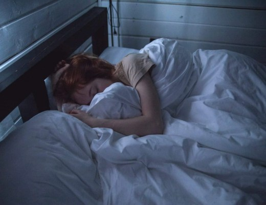 Clo Bare's 4 Tactics to Tackle Your Terrible Sleep Hygiene