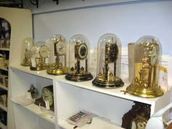 400 Day Clocks that have been repaired