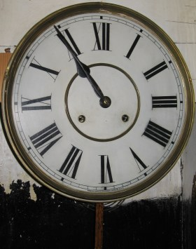 Original hands and painted dial