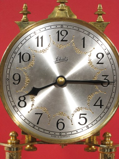 Engraved dial made of silvered brass.
