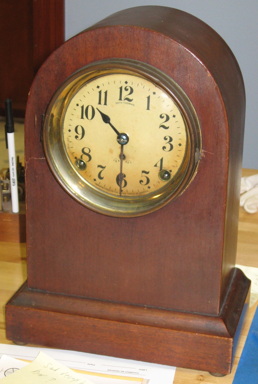 Seth Thomas Round Top Mantel Clock - ClockInfo.com