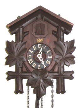 Maple leaf cuckoo clock