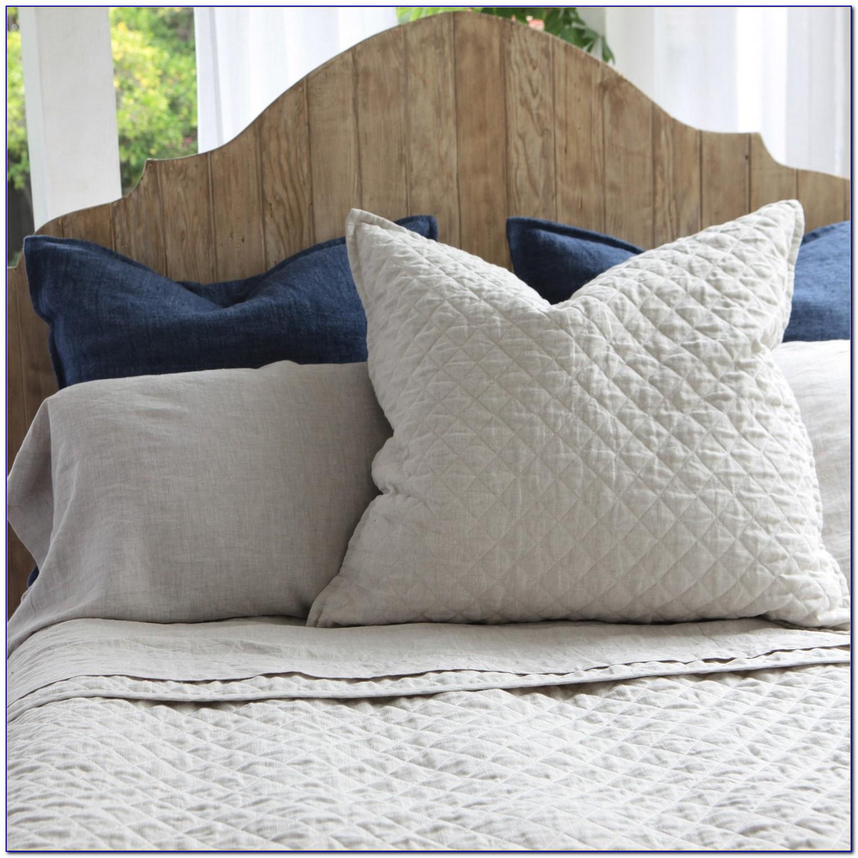 White Pom Pom Bedding