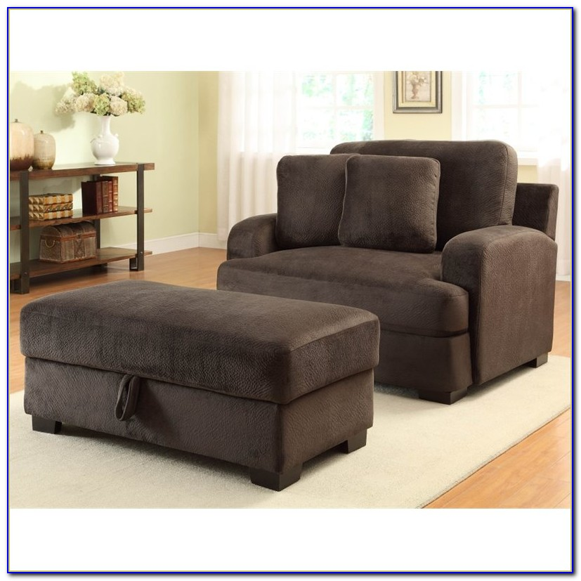 Oversized Armchairs With Ottoman
