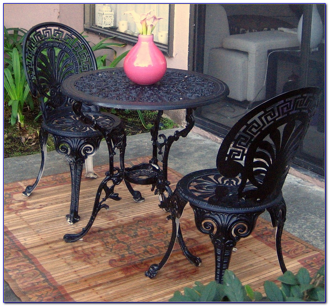 Wrought Iron Table And Chairs For Kitchen