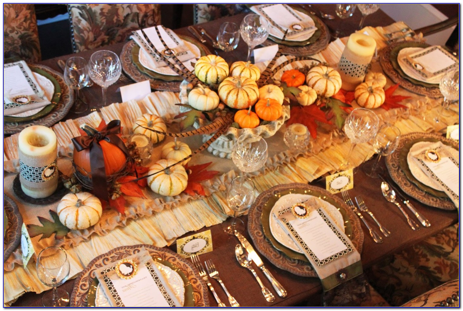 Thanksgiving Table Decorations With Pumpkins