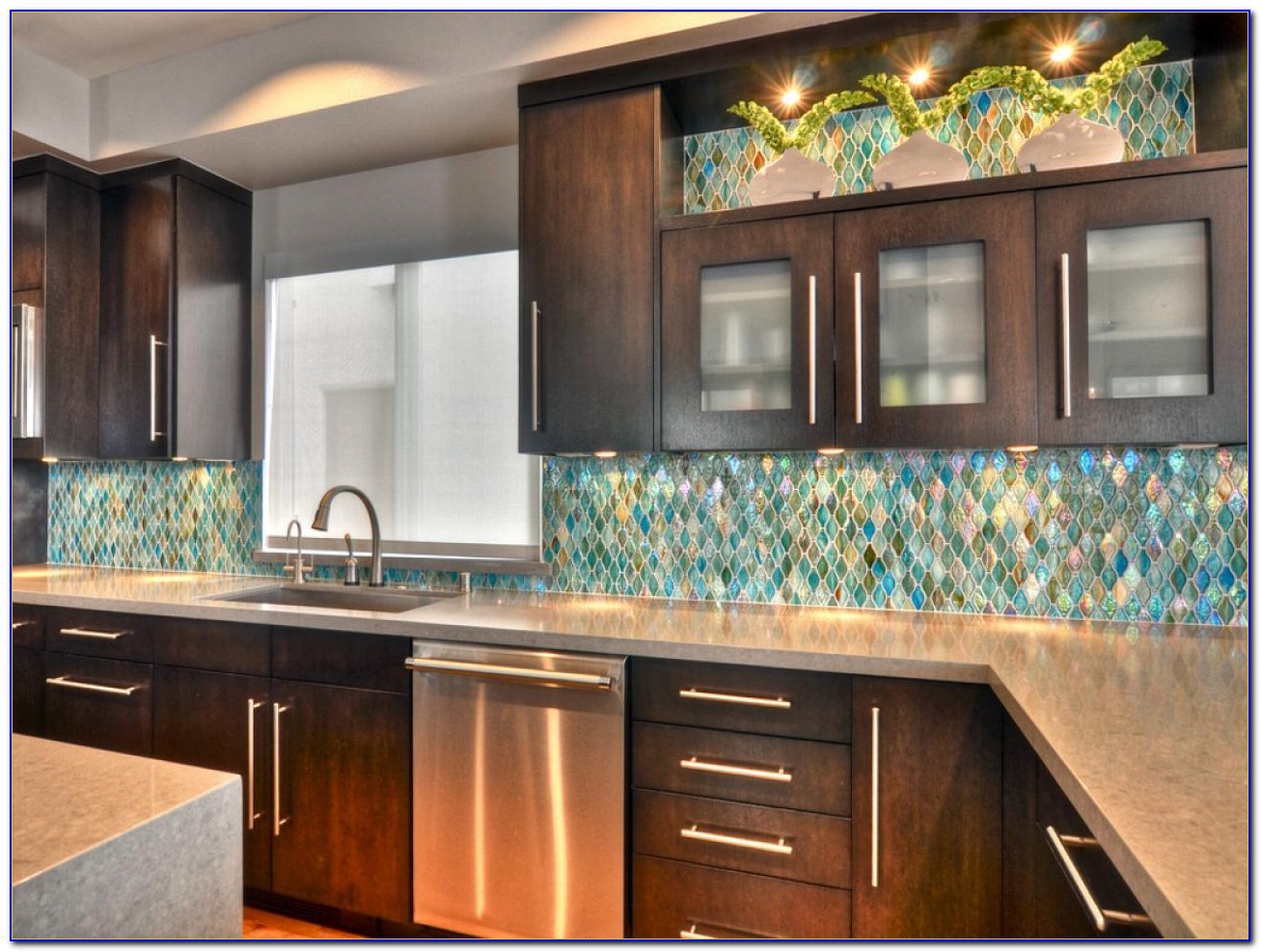 Backsplashes For Kitchens With Maple Cabinets
