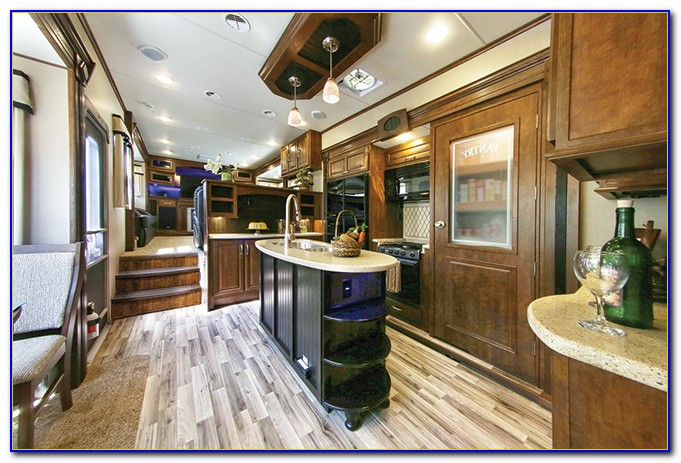 Front Living Room 5th Wheel Toy Hauler
