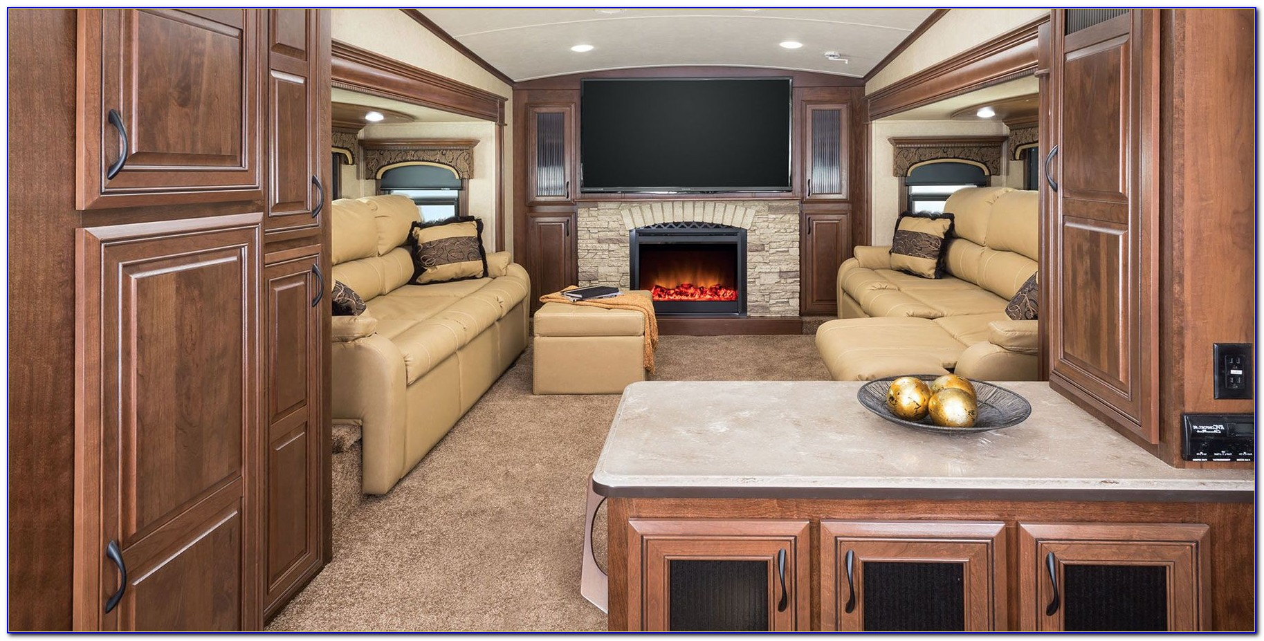 Front Living Room 5th Wheel Used