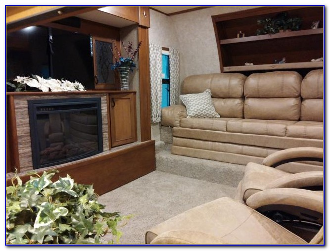 Front Living Room Fifth Wheel 2017