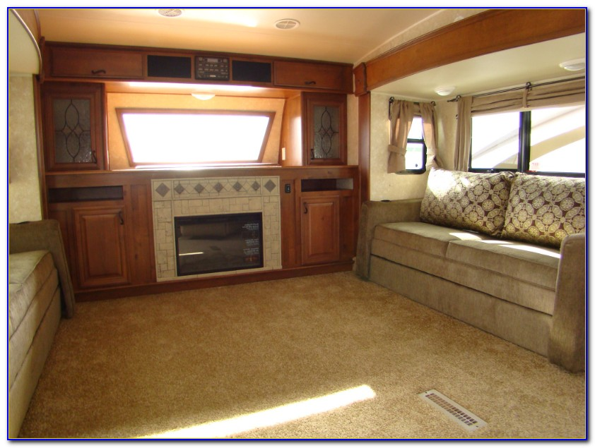 Front Living Room Fifth Wheel Toy Hauler