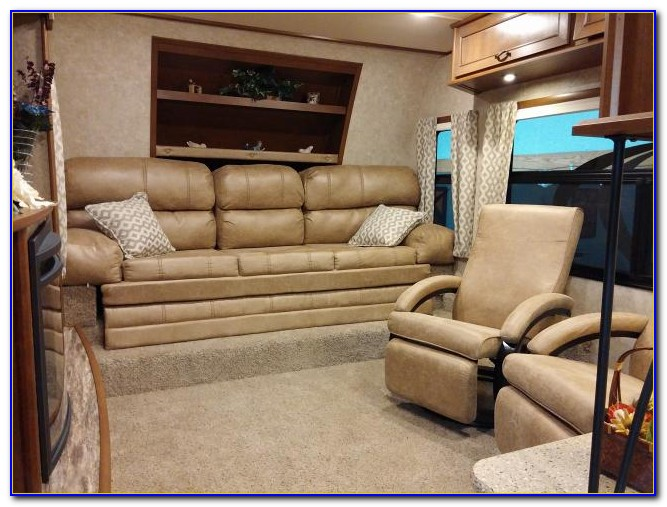 Montana Fifth Wheel With Front Living Room