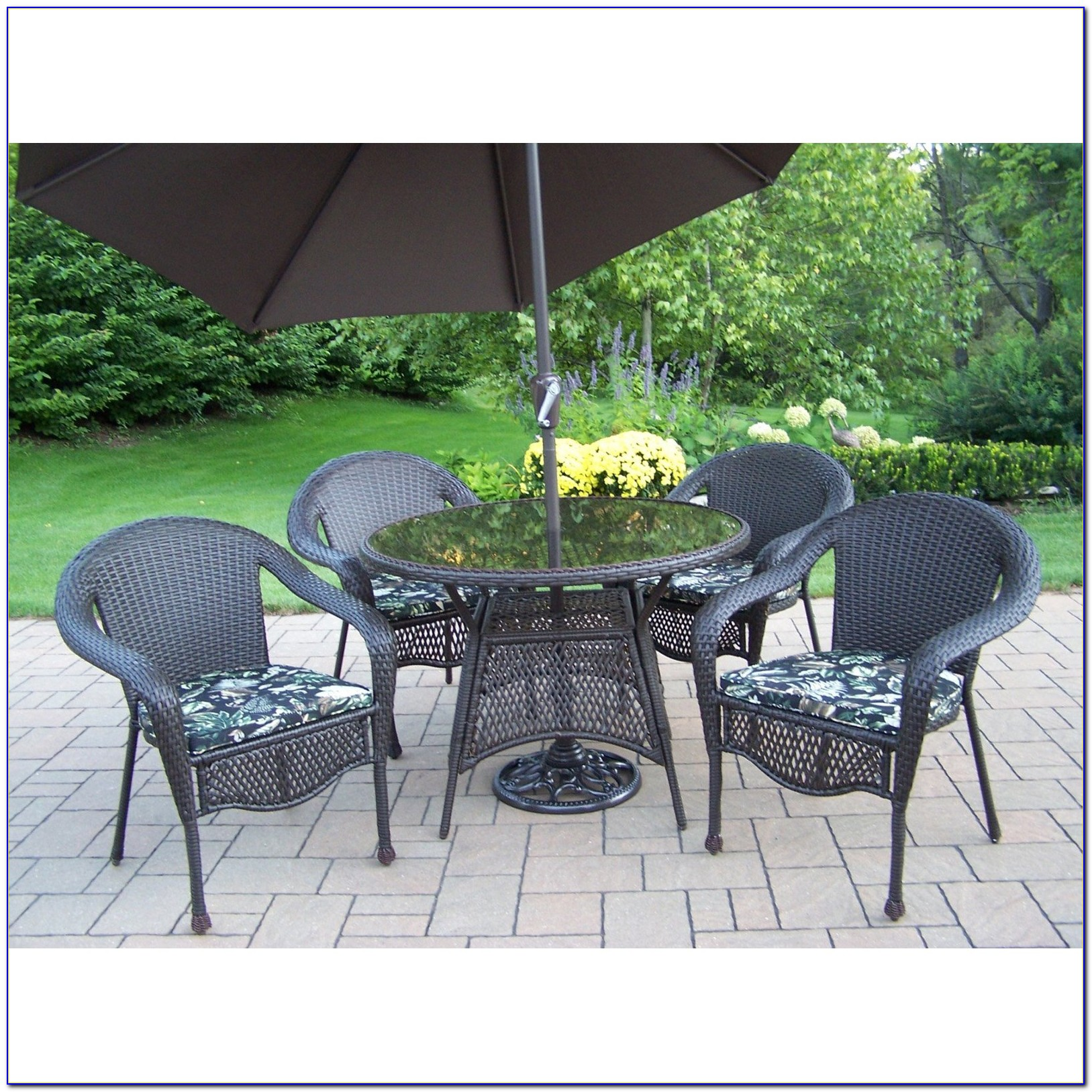 Outdoor Dining Sets With Umbrella