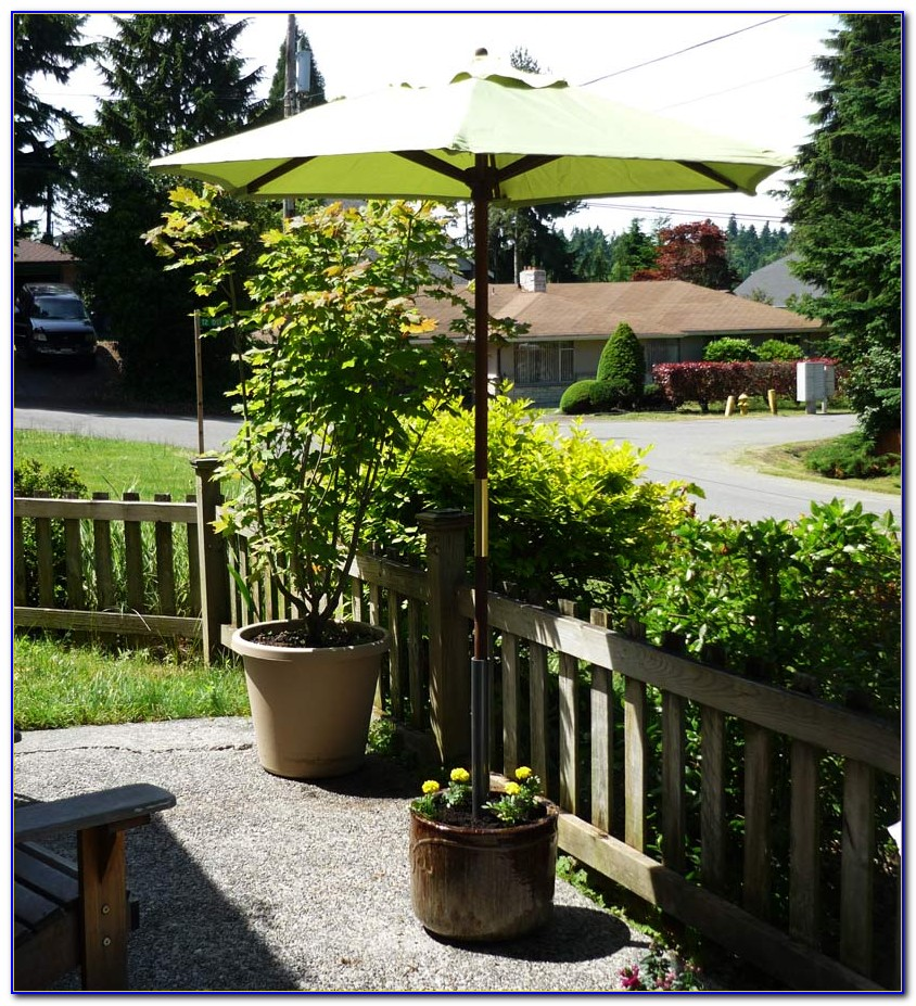 Outdoor Patio Umbrella With Stand