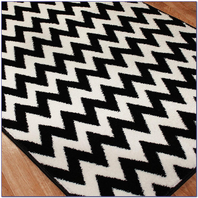 Black And White Checkered Throw Rug