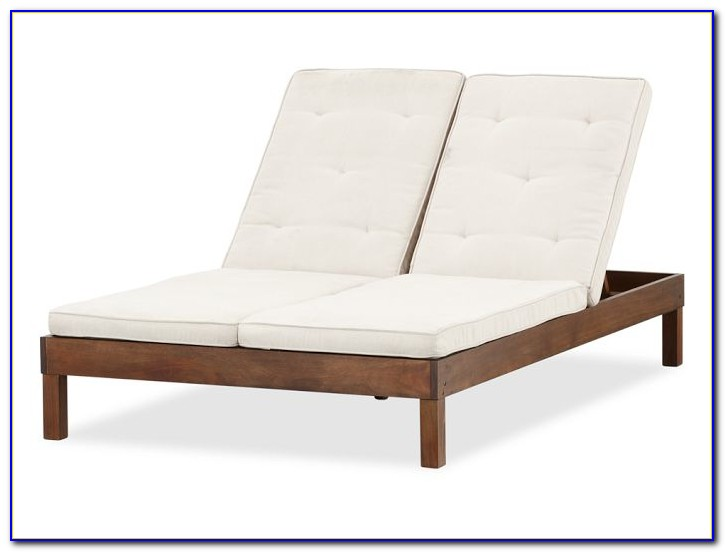 Madaga Wicker Patio Double Chaise Lounge
