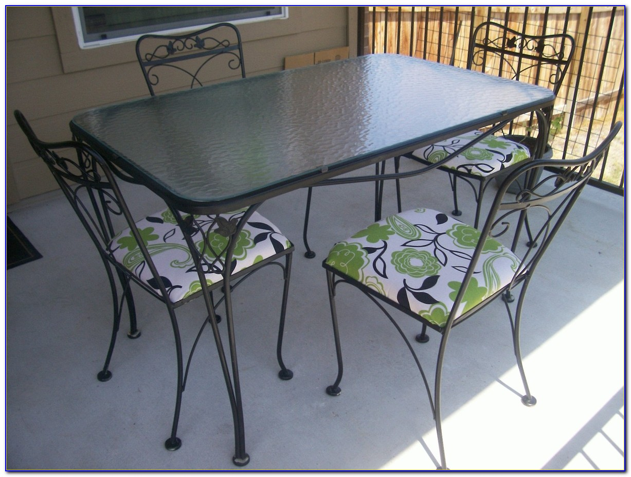 White Wrought Iron Patio Table And Chairs