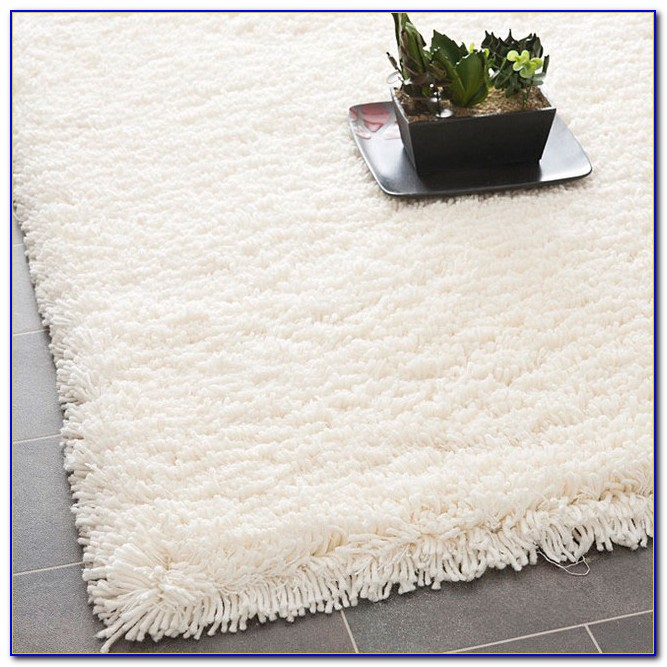 Plush White Bathroom Rugs