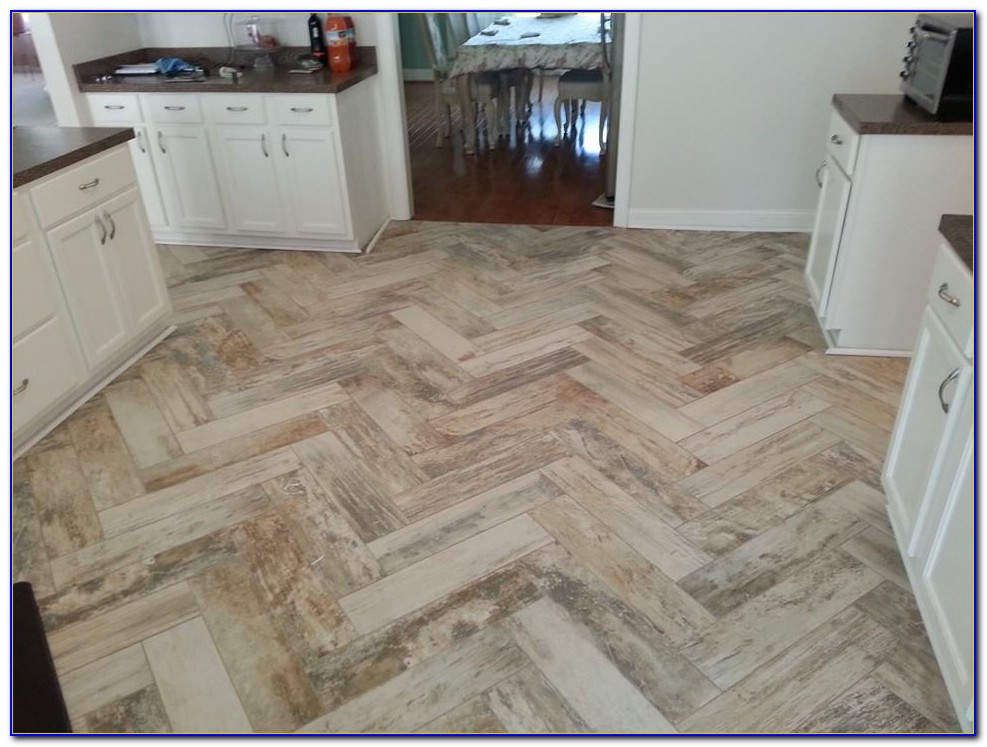 Porcelain Tile Looks Like Hardwood Floor
