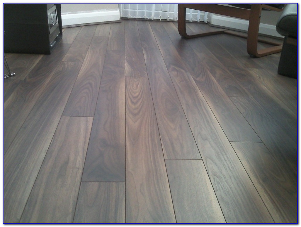 Tile Effect Laminate Flooring Howdens