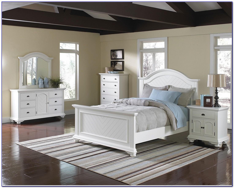 White Queen Sleigh Bedroom Set
