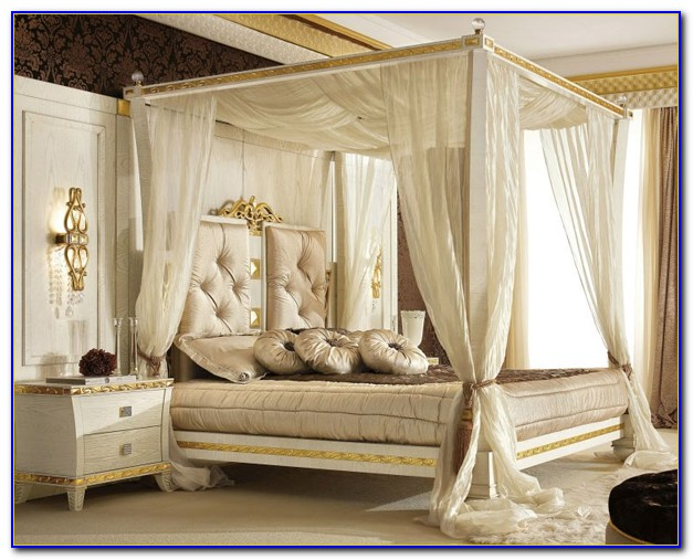 Classic Canopy Poster Queen Size Bedroom Set