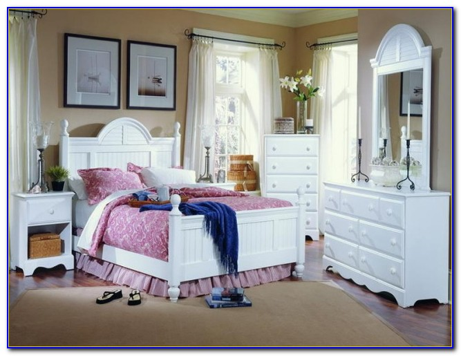 Cottage Style Fitted Bedroom Furniture