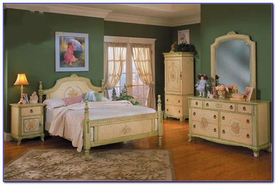 Country French Bedroom Chairs