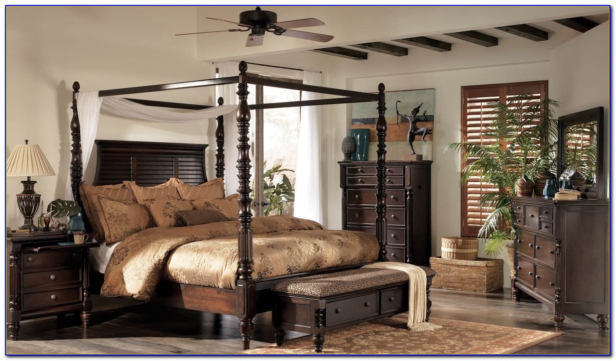 Key Town Canopy Bedroom Set