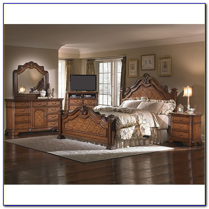 Key Town Poster Bedroom Set