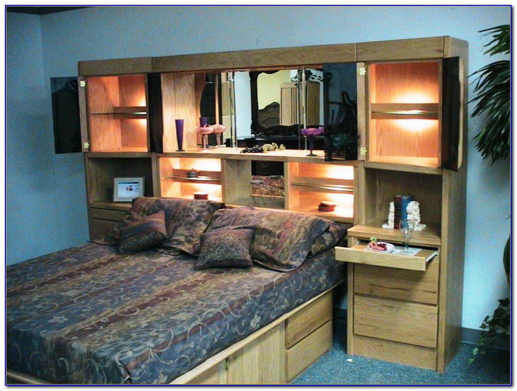King Wall Unit Bedroom Set