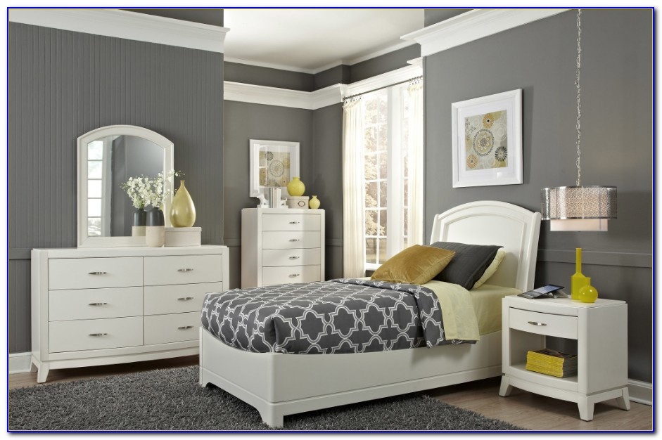 Liberty Furniture Reflections Bedroom Set