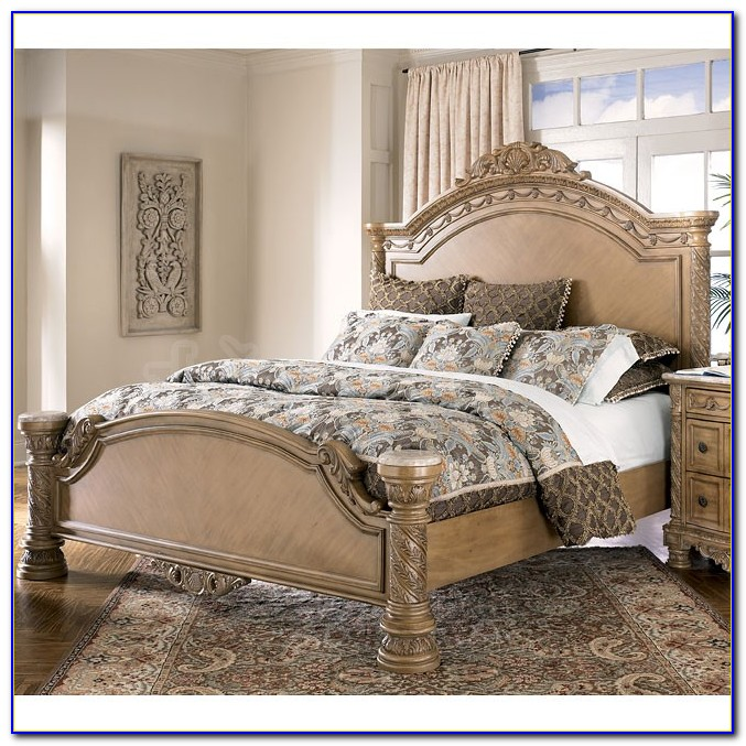 South Shore Canopy Bedroom Set