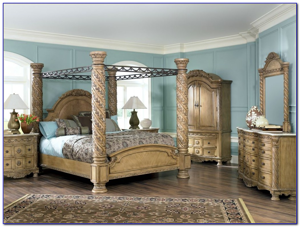 South Shore Poster Bedroom Set