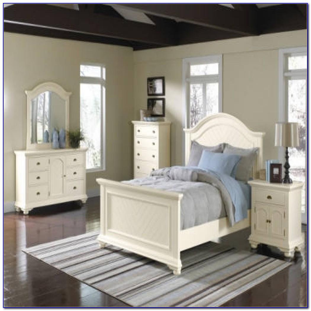 Thomasville Queen Anne Bedroom Set