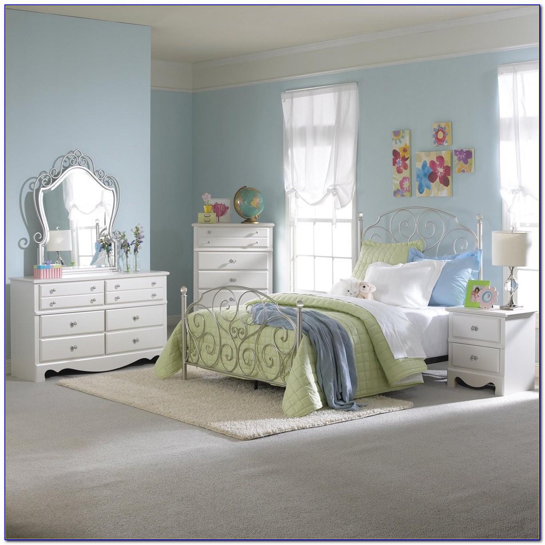3 Piece White Bedroom Furniture Set